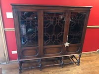 Vintage glass-front bookcase Chicago, 60646