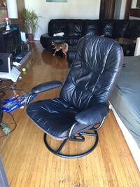 Recliner chair on swivel Vancouver, V5X