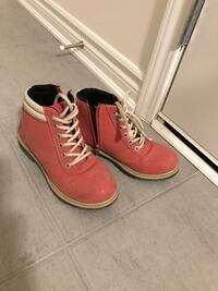 Size 3 girl boot