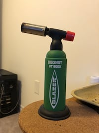 Big shot torch by blazer - with 2 full butane cans  Barrie, L4N 9C2