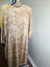 gray and white floral long-sleeved dress Mississauga, L5A 3S2