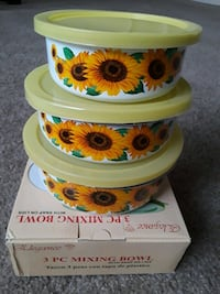 3pc mixing bowl with lids  Moreno Valley, 92553