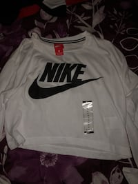 NIKE long sleeved  Woodbridge, 07095