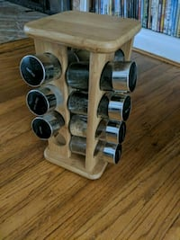 SPICE RACK /w spices  Falls Church, 22041