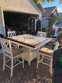 Beautiful Dining table and 4 chairs North Las Vegas, 89031