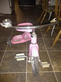 toddler's pink and gray trike Bakersfield, 93306
