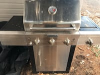 Gas Grill with gas cylinder and cap Stamford, 06902