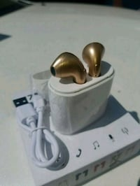 Gold wireless bluetooth earbuds new rechargeable  San Jose