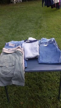 Mens geans & shorts.$3 each