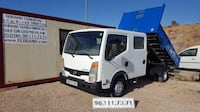 Nissan Cabstar doble cabina volquete Montroy