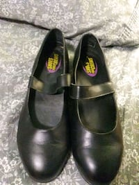 Ladies size 8 work shoes San Bernardino, 92404