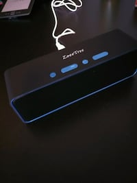 black/blue bluetooth speaker Ottawa, K2L