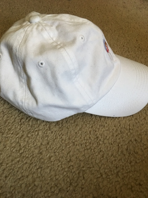 Kylie Jenner White Hat 83a9f70f-c265-41df-a274-f37cab7cff90