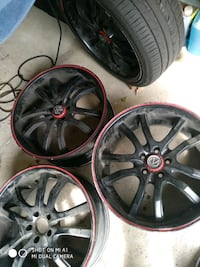 """4 Rims 20"""" and one tire 245 35 20 Vaughan"""