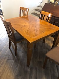 Dining table with 4 chairs. Toms River, 08753