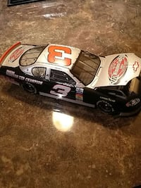 gray and black race car toy Waterford, N0E 1Y0