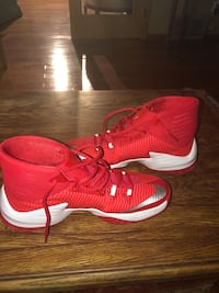 pair of red Nike basketball shoes Sherwood Park, T8H 1R3