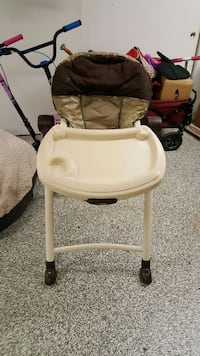 Graco Contempo folding highchair