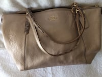 Coach Purse Mount Airy, 21771