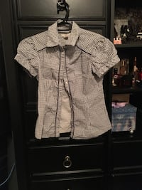 Women's shirt size medium
