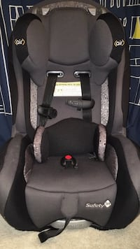 Safety 1st car seat booster Toronto, M2J 4P9