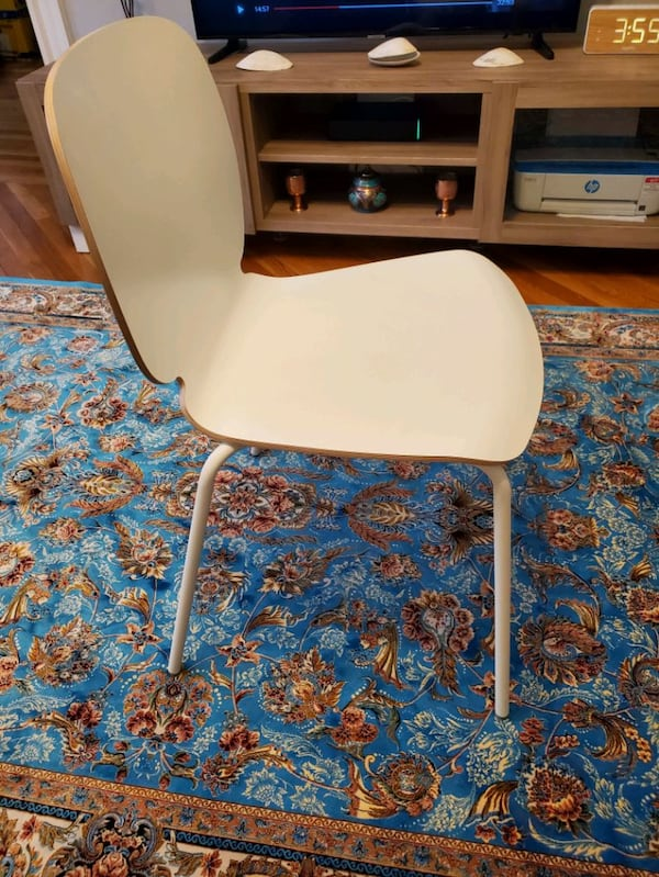 Table+ 2 chairs a34be07d-5b58-440f-825f-046a83f1925a