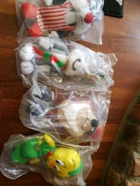 assorted plastic toys in pack Brant, N0E