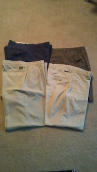 4 dockers size w38 L32 District Heights, 20747