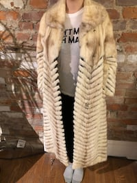 Women's Small Vintage Fur Jacket Toronto, M6N 1G8