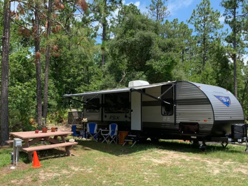 2019 Forest River Toy Hauler Salem RV 260 RT 07bfe00f-7a0a-41c6-97cb-d69a74fe46ce