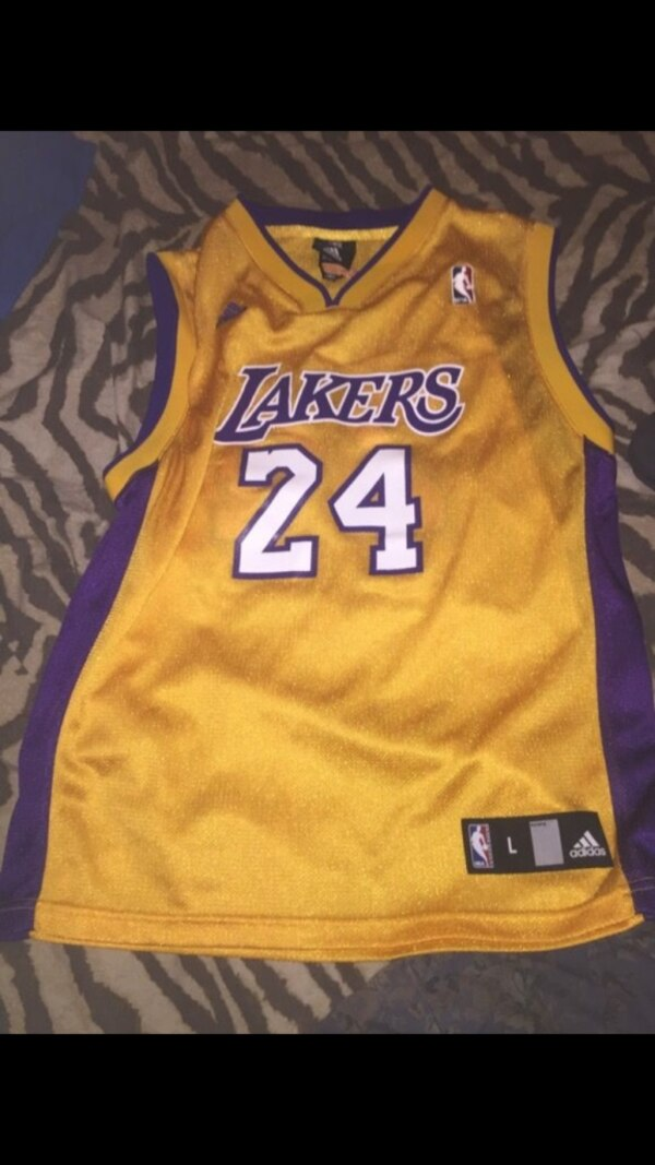 outlet store 30252 aae62 Kid Adidas Authentic Lakers Jersey KOBY BRYANT NUMBER 24. Its a kids large.  ORIGINAL WAS 45$ and I've never wore it once as a kid