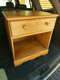 Solid wood night stand/side table w/ drawer Oakville, L6H