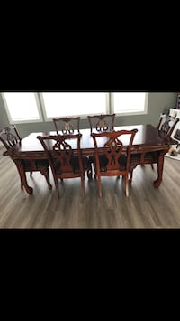 New kitchen table, 500.00 solid wood no garbage Surrey, V3R 8T5