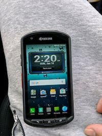 Kyocera touchscreen android phone $120 551 km