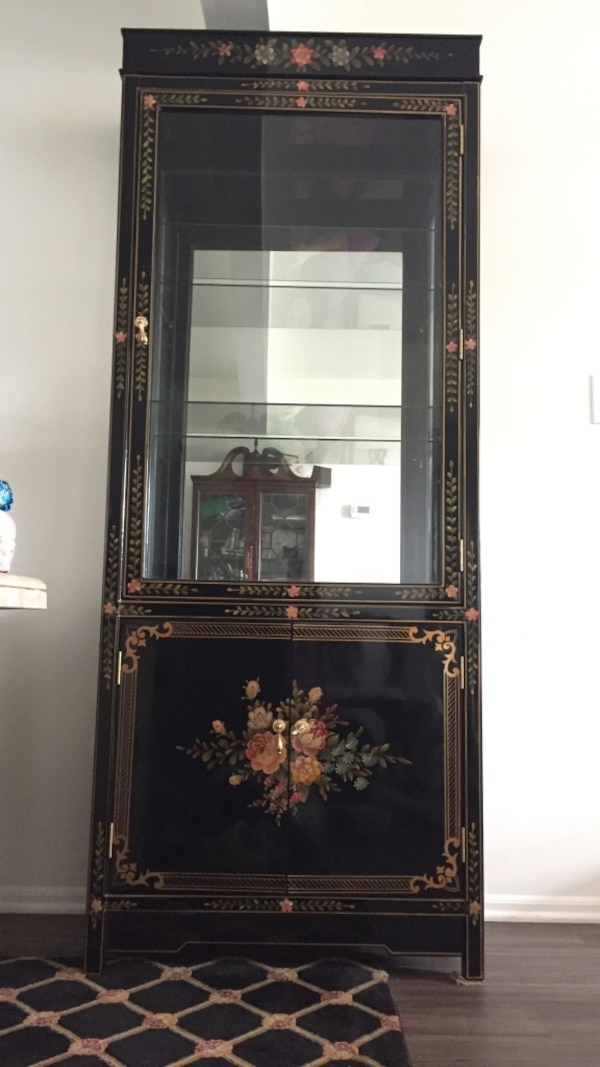Black Chinese Lacquer Display Cabinet