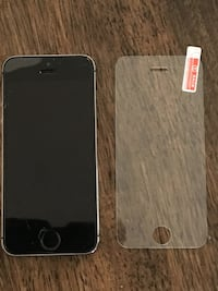 Black iphone 5 with case Granby, J2G