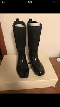 Brand new Coach Rain Boots size 11 never worn