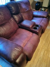 HAVE A REALLY NICE MASSAGE COUCH WITH DUEL RECLINE Daytona Beach, 32114