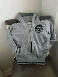 Roots Cabin Kids Sweater in like new condition  Toronto, M6N 1S1