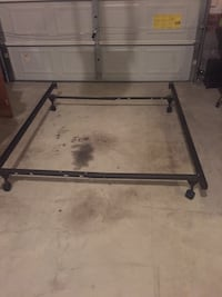 Metal bed frame fits twin- queen  Fayetteville, 28306