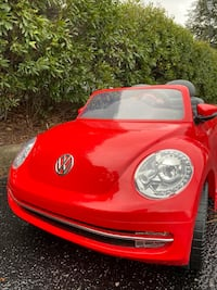 Kid's Ride on Car.  VW Beetle battery powered 6V. Rollplay