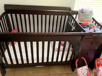 Baby crib with changer  932 mi