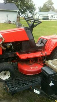 red and black riding mower Losantville, 47354