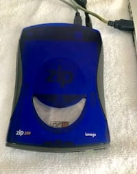 Iomega 250 ZIP RARE! COMES WITH ALL ADAPTERS AND  Centreville, 20120