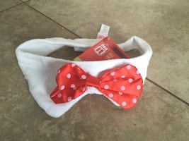 BRAND NEW PET BOWTIE ONE SIZE.