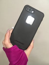 iPhone 7+ life proof case North Vancouver, V7J
