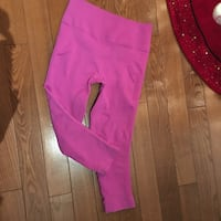 Lululemon zone in crop compression leggings 8-10 Barrie, L4N 0J2