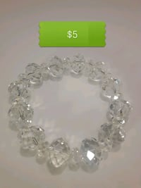 BN clear crystal stretchy bracelet 3747 km