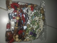 Xl bag of large beaded necklaces Mississauga, L5G 1G8