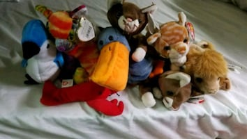 Lot of 8 beanie babies